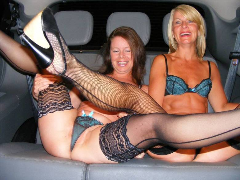 upskirt Drunk mom