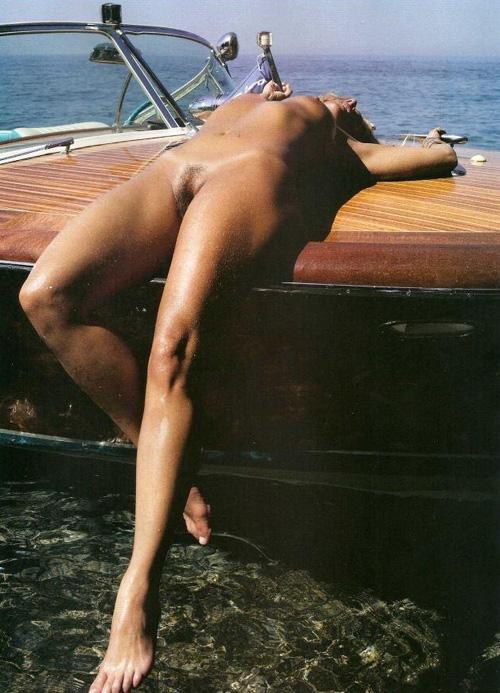 Monica Mattos Pelada Nua Mostrando A Buceta