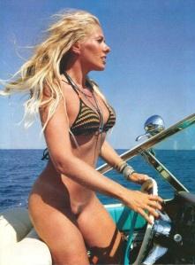 Adriane Galisteu Nude on beach